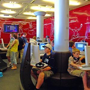 Интернет-кафе Корткероса